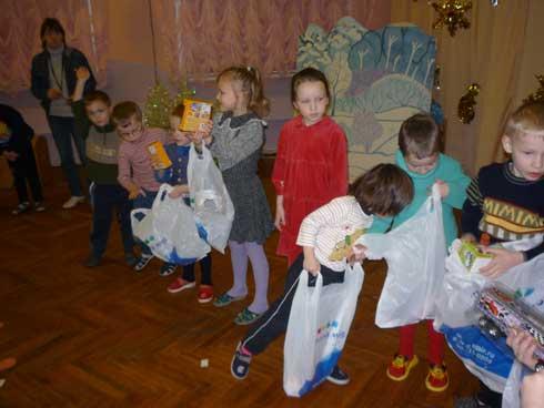 дети получили подарки Петербург